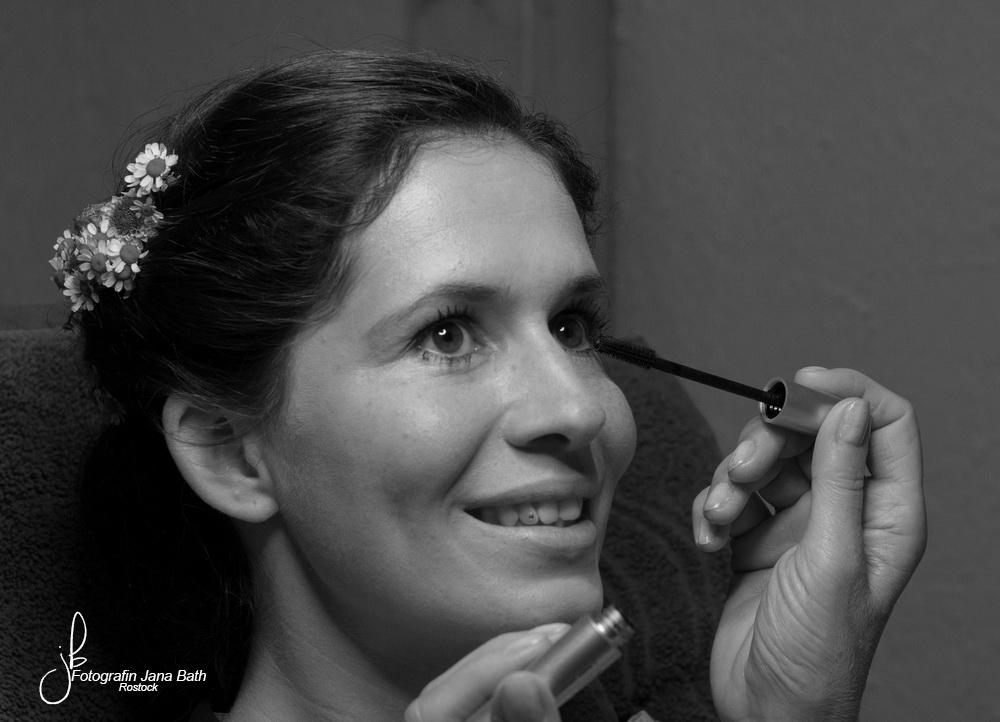… bei der Visagistin - Hochzeitsfotografin Jana Bath Rostock